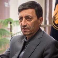 رئیس کمیته امداد با انتقاد از حجم بالای ورود کالای قاچاق به کشور خطاب به رئیس جمهور گفت: شما که میروید شبانه دو داعشی را که در روستایی در کرمانشاه