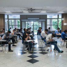 مشاور عالی سازمان سنجش : بر اساس برنامه زمانی اعلام شده تعداد 78 هزار 689 نفر در 6965 کد رشته محل دوره تکمیل ظرفیت ارشد سال ۹۶ پذیرفته میشوند.