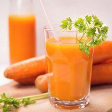نوشیدن دمنوشها در فصلهای پاییز و زمستان بسیار مفید است و نقش موثری در پیشگیری از ابتلا به بیماریهای مختلف و تقویت سیستم ایمنی بدن دارند.