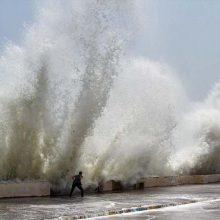 رئیس پیش بینی و هشدار هواشناسی سیستان و بلوچستان گفت: دیشب ارتفاع موج در دریای عمان به ۳۳۰ سانتیمتر رسید.