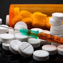 سخنگوی وزارت بهداشت تاکید کرد: خروج آمریکا از برجام تاثیری بر بازار دارو و تجهیزات پزشکی نخواهد گذاشت؛ چراکه وابستگیمان به داروی وارداتی بسیار اندک است.