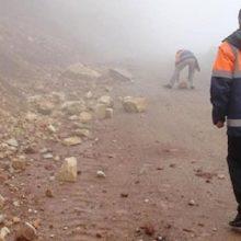 سرهنگ حسین محمدپوربا اشاره به اینکه براساس گزارشات رسیده شامگاه گذشته در محور پونل به خلخال براثر شدت بارش در منطقه شاهدریزش