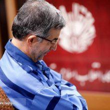 ژست مشایی برای عکاسان در دادگاه+عکس
